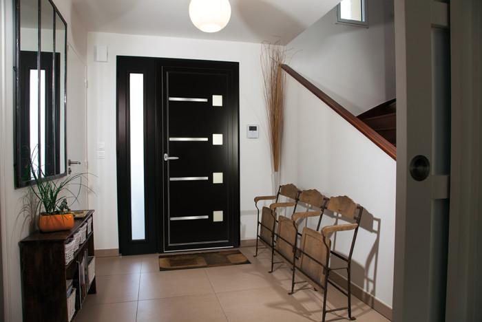 portes d 39 entr e chamarr es fen tre innovante des menuiseries bouvet. Black Bedroom Furniture Sets. Home Design Ideas