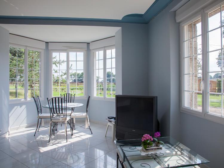 fen tre et porte fen tre pvc r novation sur mesure. Black Bedroom Furniture Sets. Home Design Ideas