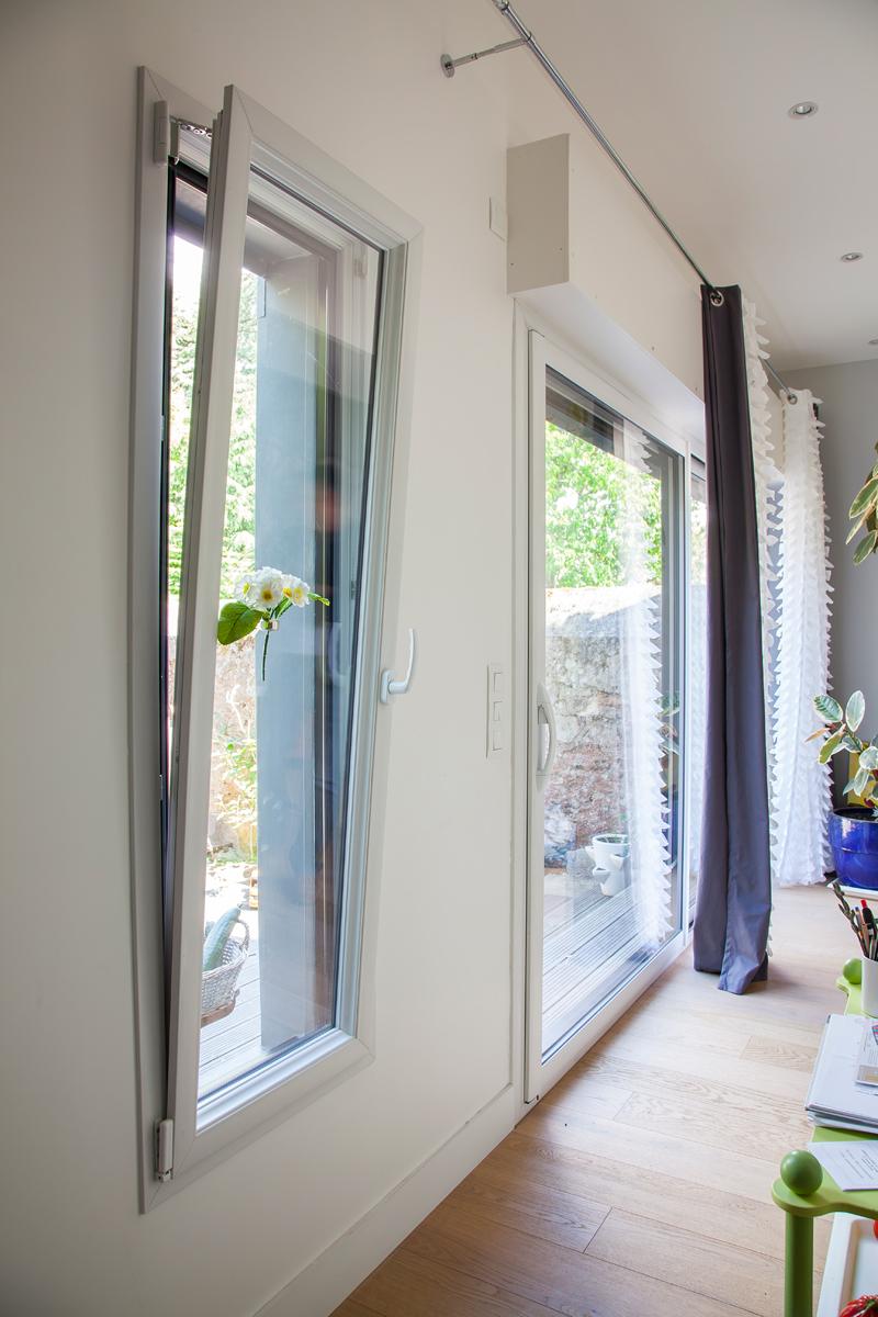 Peindre Fenetre Pvc En Gris lexique fenêtre et menuiserie : accessoires | menuiseries bouvet